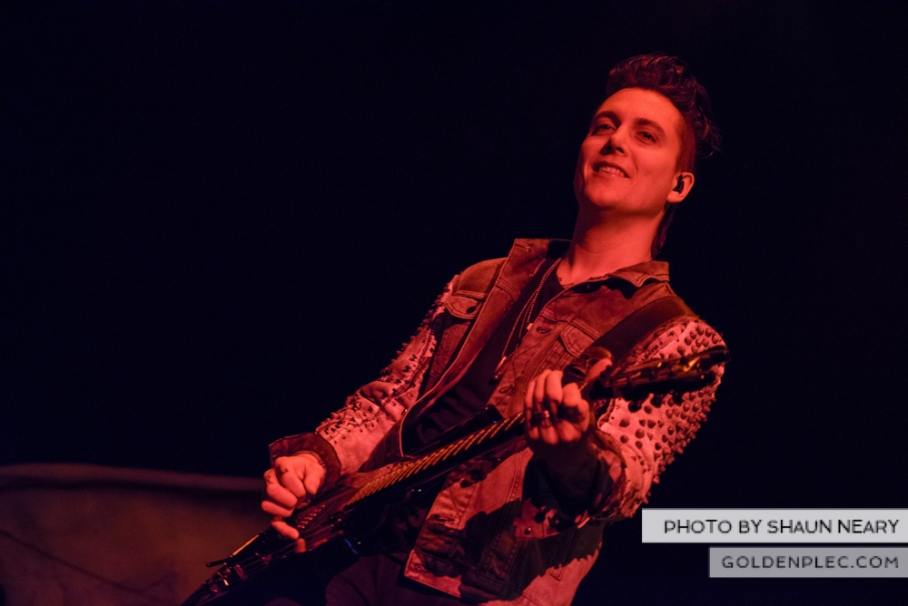 Avenged-Sevenfold-at-The-o2-Dublin-on-December-3rd-2013-06